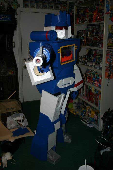 Soundwave Costume 14